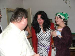 rómská děvčata(moje sestřička Evča a kamarádkou)