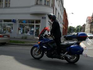 ženich a motorka v akci