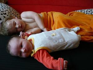 Děti se rodí po svatbě že?:) U nás skore zatím: Vanda 4.3.2008, Alice Martina 21.6. 2010