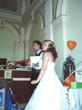 a taky rozbalovat svatební dary, všem děkujeme