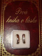 darcek od sestry a nase prstene...