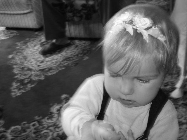 Miroslava Jirsova{{_AND_}}Markus Moor - nasa malinka rano toto mala mat dcerka na vlaskoch,no bol unavena a protestovala.