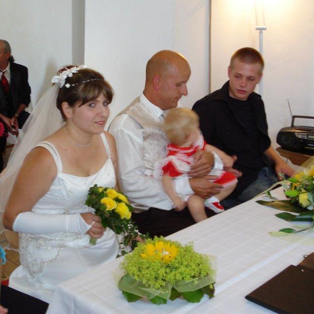 Miroslava Jirsova{{_AND_}}Markus Moor - nas super kamarat a svedok Florian...nasa dcerka ho zboznuje.