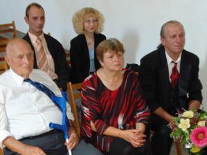moja mamina a ocino markusov otec a vzadu markusov brat spolu s priatelkou.