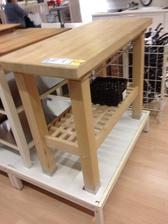 Tento stol by som chcela este pod okno :)