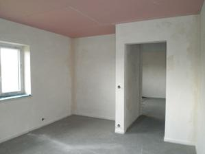 Hotové sádrové omítky, podlaha a stropy