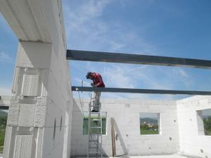 Příprava na střechu.