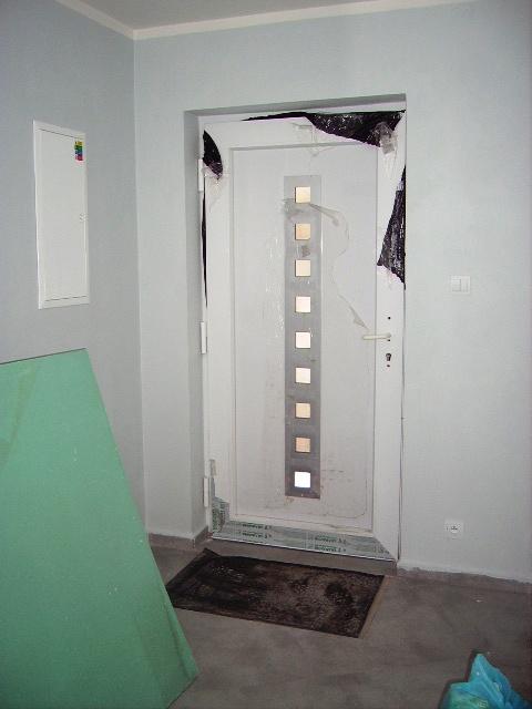 Domček - vchodové dvere