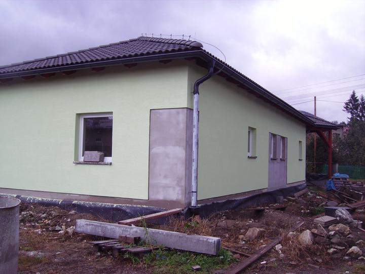 Domček - Fasáda- je trošku zelenšiožltá