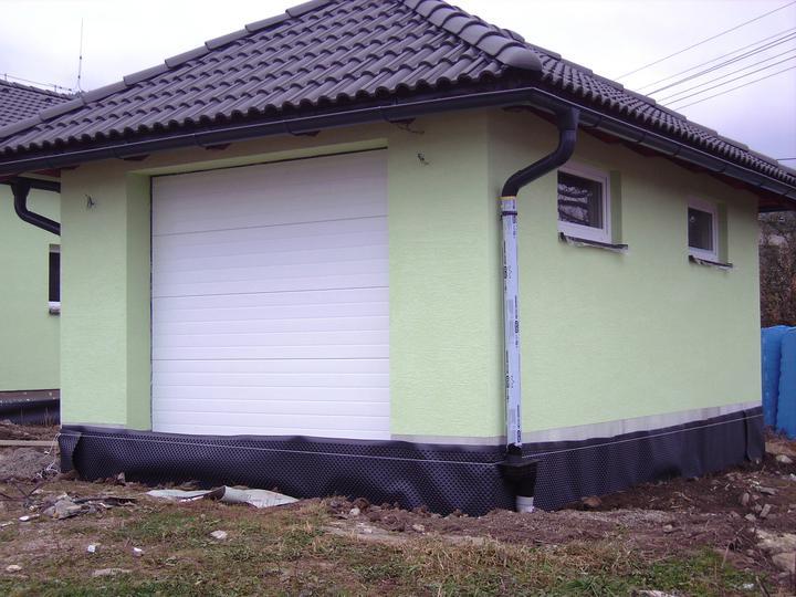 Domček - pohľad z druhej strany