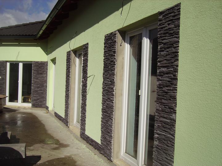 Domček - skoro dokončené, ešte špalety okolo okien