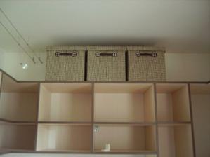 nové škatuľky do šatníka