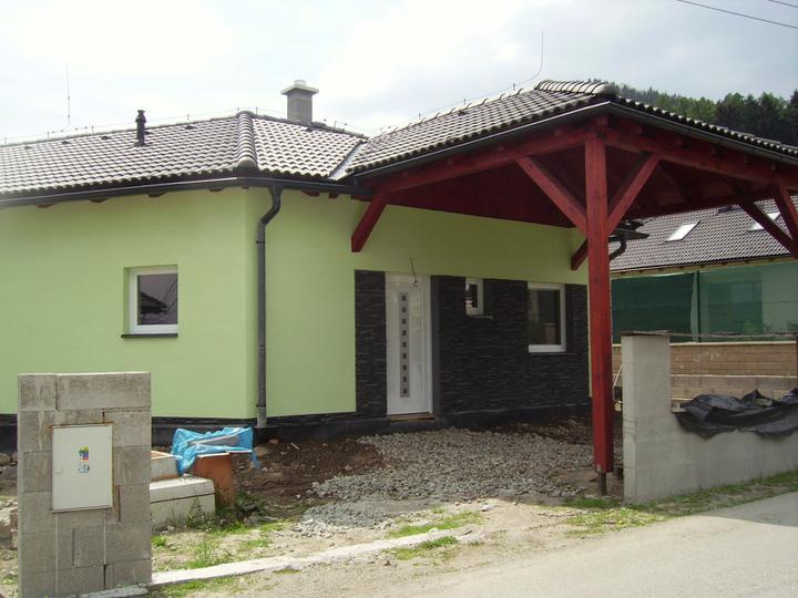Domček - zrovnávam terén
