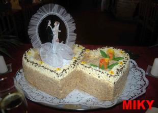 Podobný dortík by se nám libil