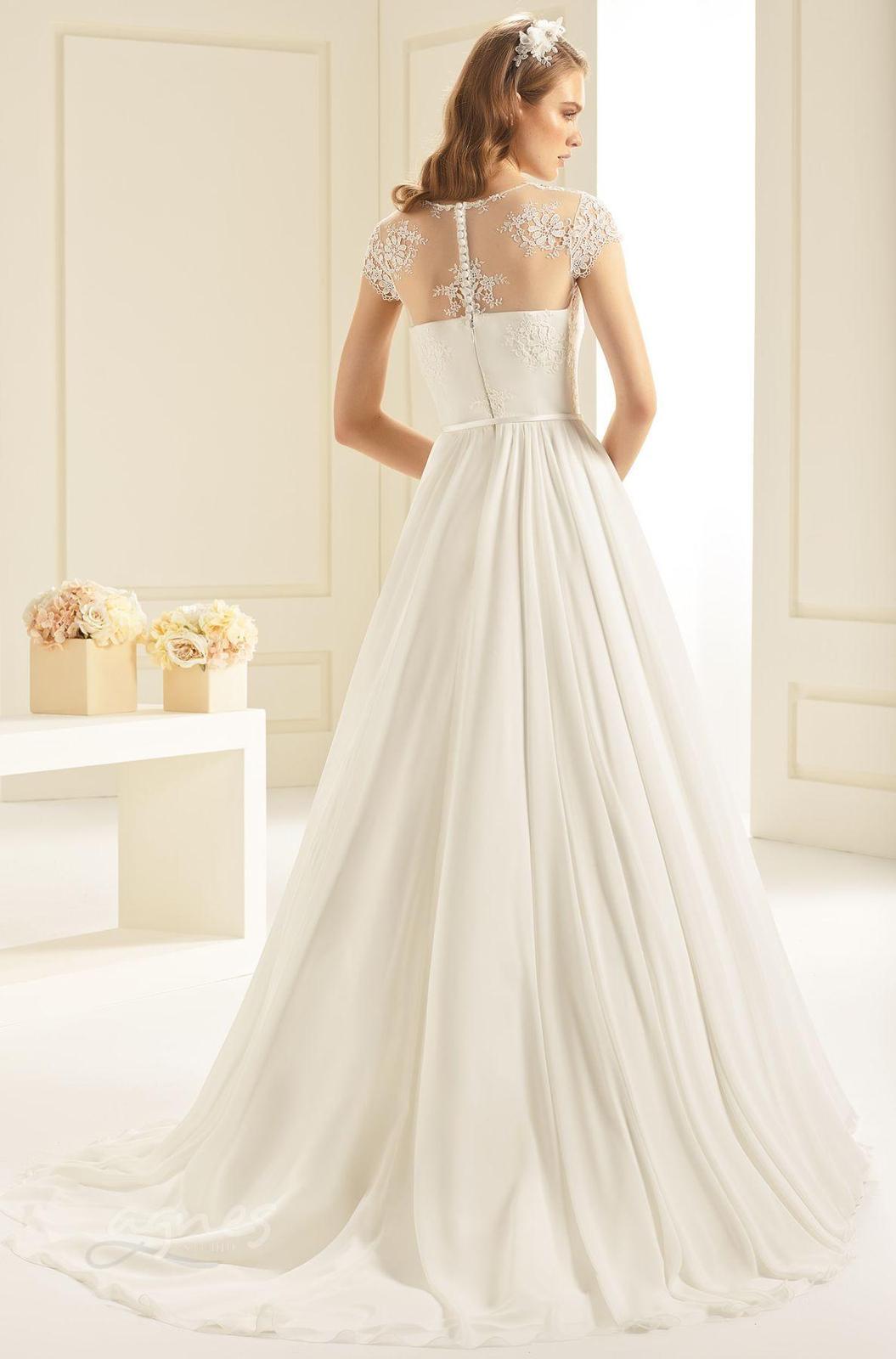 Krásné svatební šaty vel. 40 - Obrázek č. 2