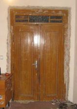 Původní dveře - ještě po původních majitelích domu..