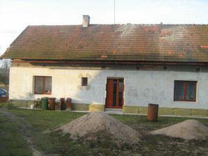 Takhle teď vypadá náš domeček..jsem zvědavá na změnu vzhledu po nové střeše..
