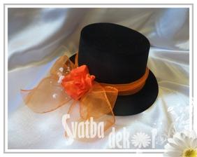 rozhodnuto - svatba bude smetanovo-oranžová...