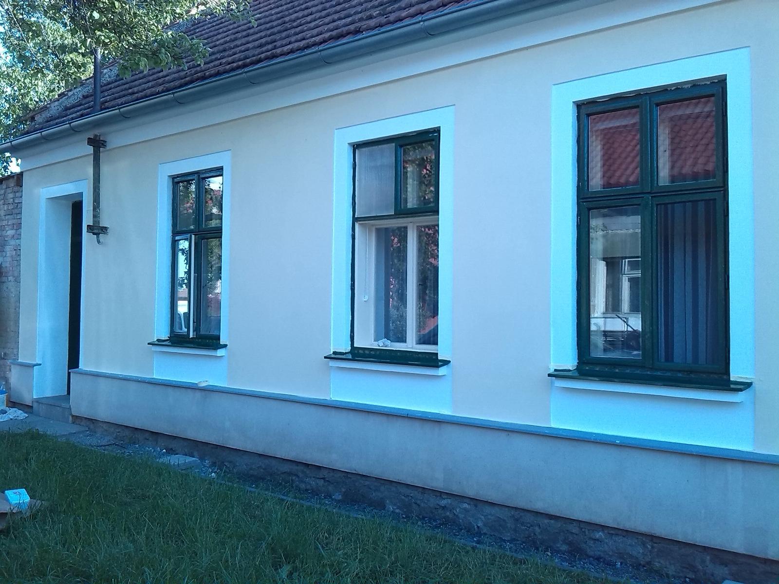 Náš domeček - teď už minulost... - ... pořád se něco děje ... :)
