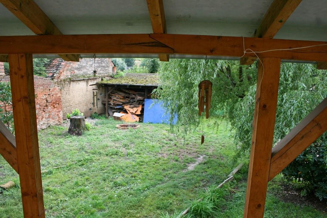 Náš druhý - už ne tak malý - domeček - Dvorek-původní stav