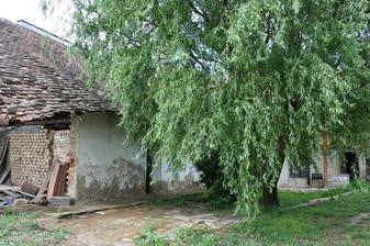 Dvorek-původní stav