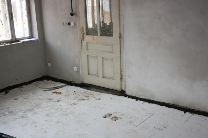 Náš domeček - teď už minulost... - Izolace podlahy (ložnice)