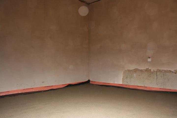 Náš domeček - teď už minulost... - Druhý beton + omítky (ložnice)