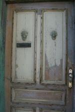 detail vchodových dveří