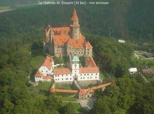 hrad Bouzov...tady bude svatba 16.6.2006 ve 12 hod