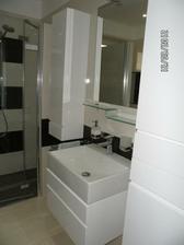 a kúpeľnový nábytok