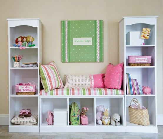 Ikea v akci - policové díly kallax http://www.ikea.com/cz/cs/catalog/products/00275848/