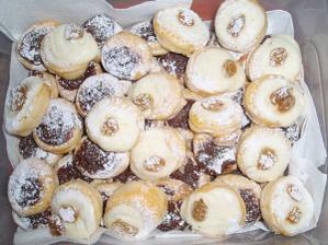 Zkouška koláčků - pekla nevěsta :o)