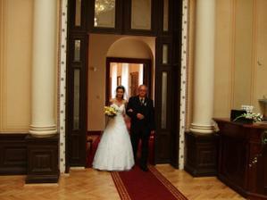 kuk :-) nevěsta je tu