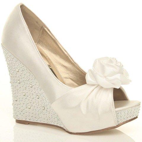 Moje představy a přání - v těhle botkách by se hezky tančilo..