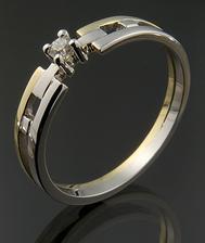 Můj krásný zásnubní prstýnek :) (klenoty Jitka Kudláčková)