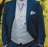 Svadobná vesta pre ženícha s kravatou, 56