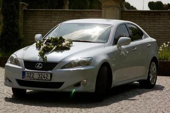 Tímhle krásným Lexusem jsem se vezla