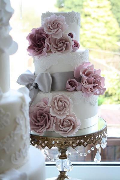 Predstava svadobnej torty je... - Obrázok č. 1