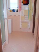 Kúpelňa 1 (vchod)