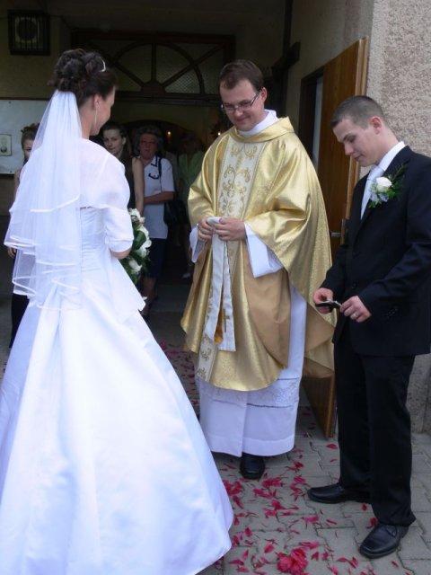 Aminka{{_AND_}}Juraj - Sypali na nás kvetinky