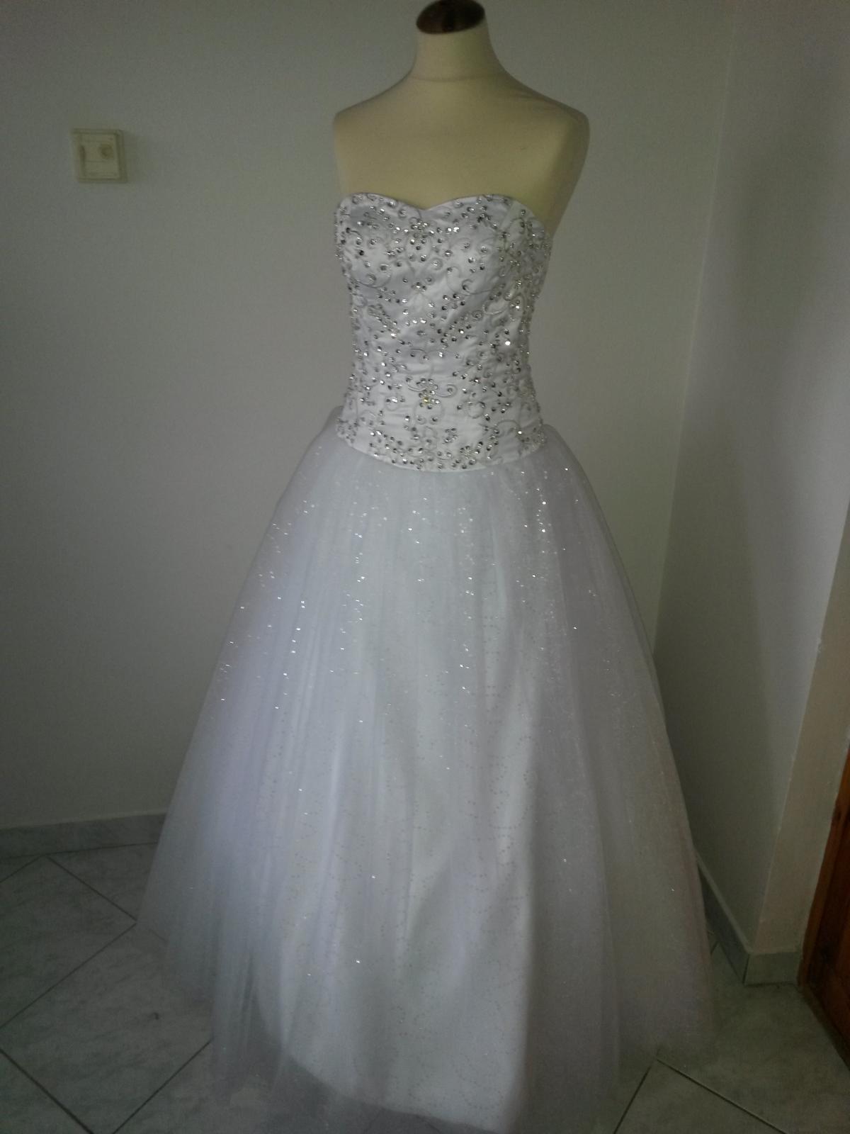 Svadobné šaty s kamienkami a flitrami - Obrázok č. 1