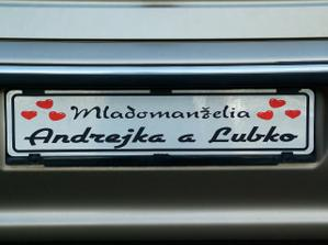 ...no a na aute sa manžel vyhral aj s takouto svadobnou ŠPZ-tkou