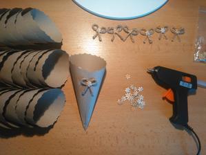 To jsem si zase namyslela práci- 30 ks kornoutků na sušené květy