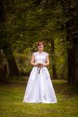Lehké svatební šaty s krajkou, 38