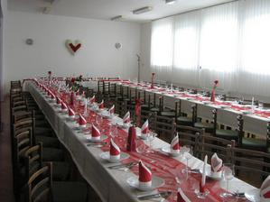 vlastne vyzdobené stoly