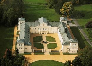 letecký pohled na zámek Kynžvart