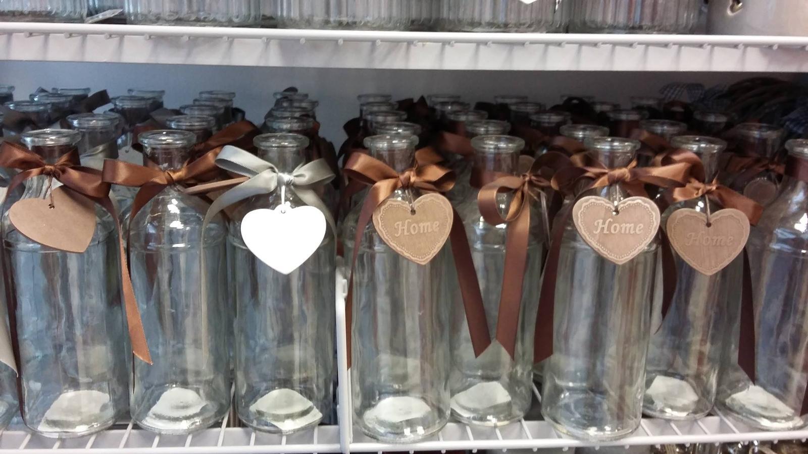 Zlatíčka prosím vás neviete kde by som zohnala takéto fľaštičky ale čisté bez ničoho? Dorobím si ich sama len neviem kde to zohnať, ďakujeeem :-* - Obrázok č. 1