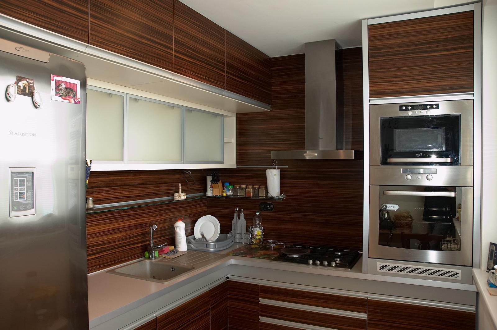 Rekonštrukcia malého panelového bytu v Poprade - Takto vyzerá kuchyňa po realizácii.