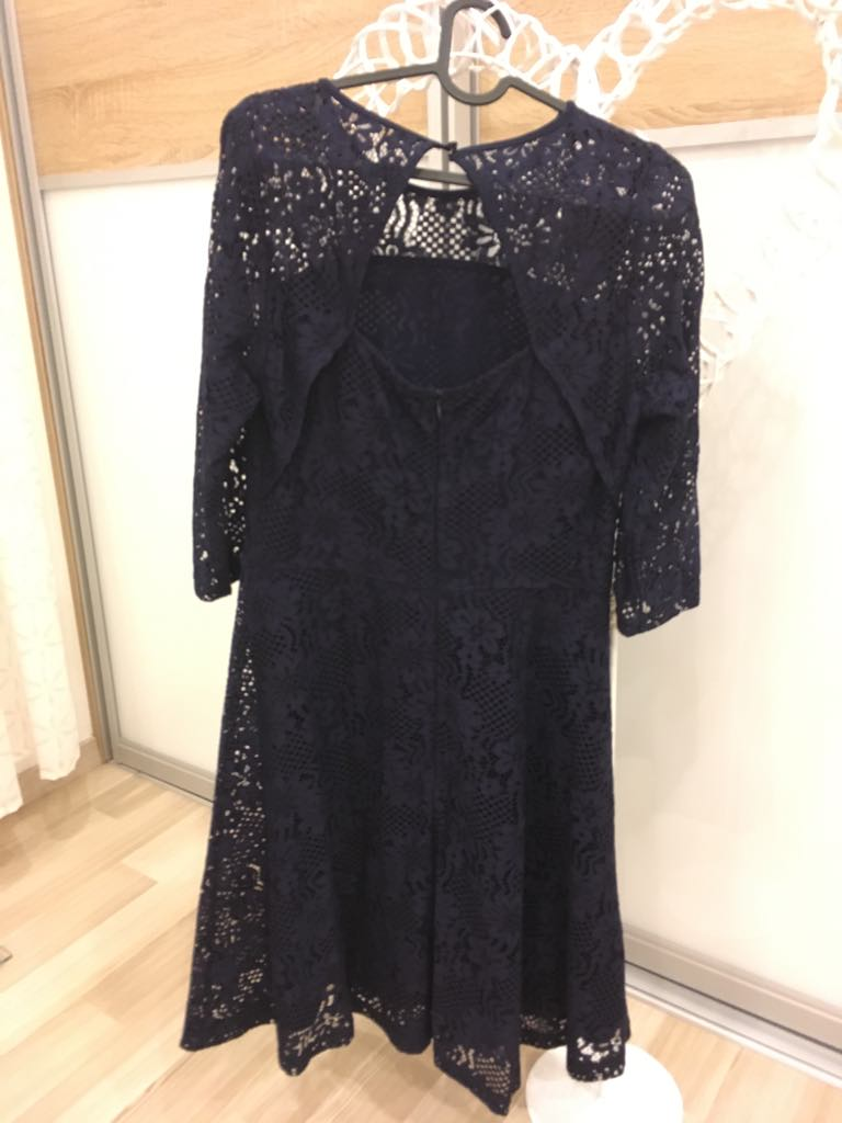 Tmavomodré čipkové šaty  - Obrázok č. 4