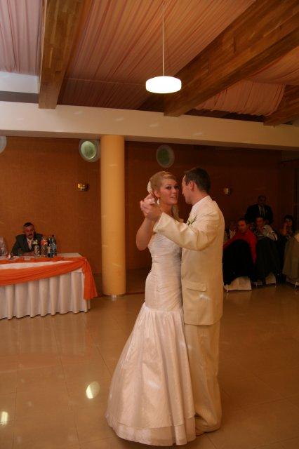 Lenka Straková{{_AND_}}Rudko Krajči - prvý tanec